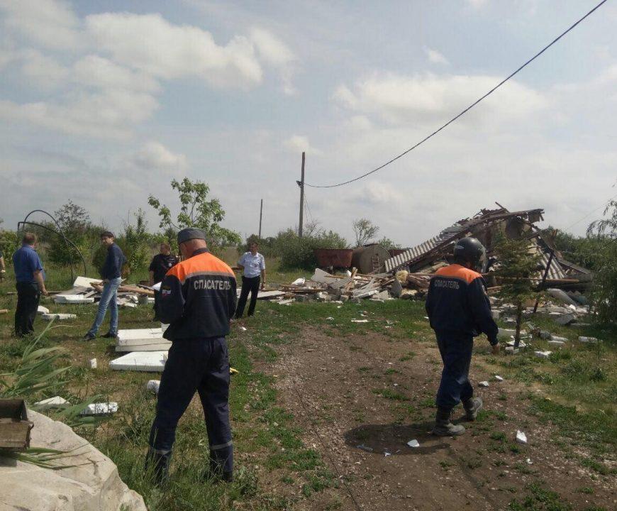 Взрыв газового баллона разрушил дачу в Красном Яре Саратовской области
